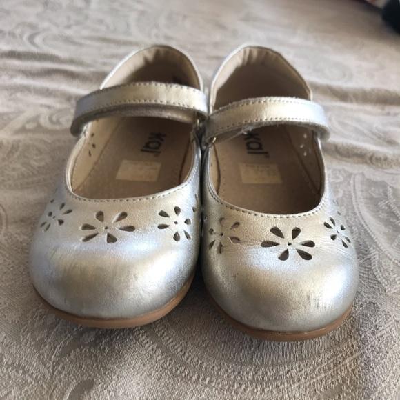See Kai Run Shoes   Euc Silver Mary